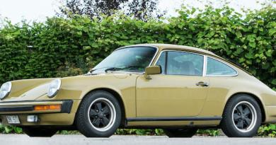 1977Porsche 911S that featured in the TV series The Bridge auctioned for charity in the Goodwood Festival of Speed Sale
