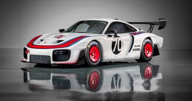 World premiere - Porsche 935 -1