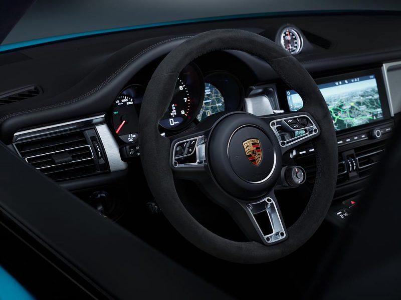 the new porsche macan interior and steering wheel
