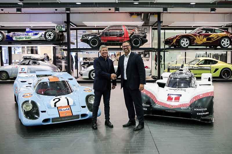 Final Drive Porsche 919 Hybrid, Fritz Enzinger, Vice President LMP1, Achim Stejskal, Director Porsche Museum. Porsche 917 K, Porsche 919 Hybrid Evo (l-r)