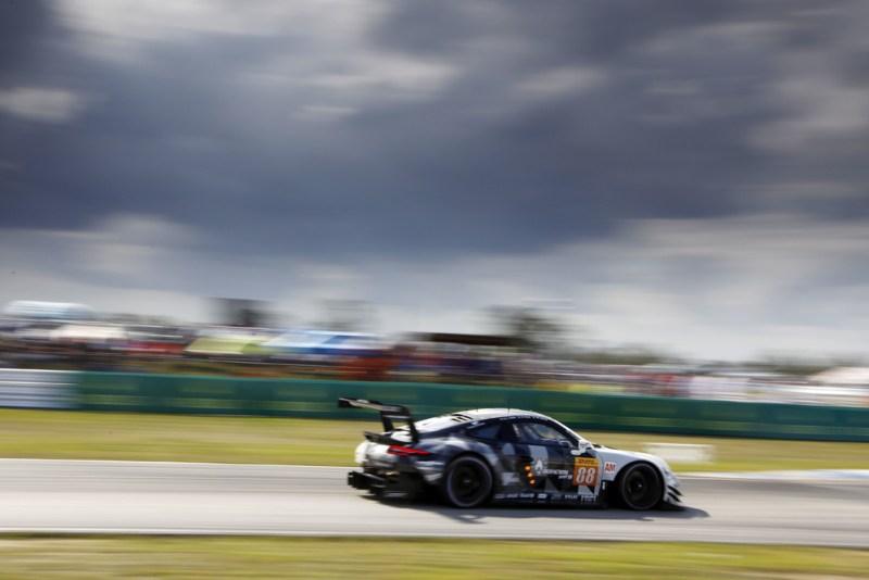 Sebring - Porsche 911 RSR, Dempsey Proton Racing (88), Matteo Cairoli (I), Gianluca Roda (I), Giorgio Roda (I)