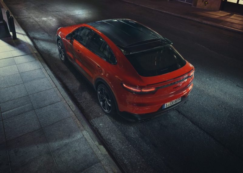 The new Cayenne Coupé with glass roof
