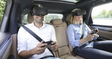 """Porsche presents VR entertainment for the back seat with """"holoride"""""""