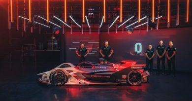 Porsche 99X Electric, from left: Neel Jani, André Lotterer, Pascal Zurlinden, Amiel Lindesay, Carlo Wiggers