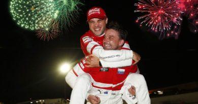Porsche GT Team Earl Bamber (NZ), Laurens Vanthoor (B)