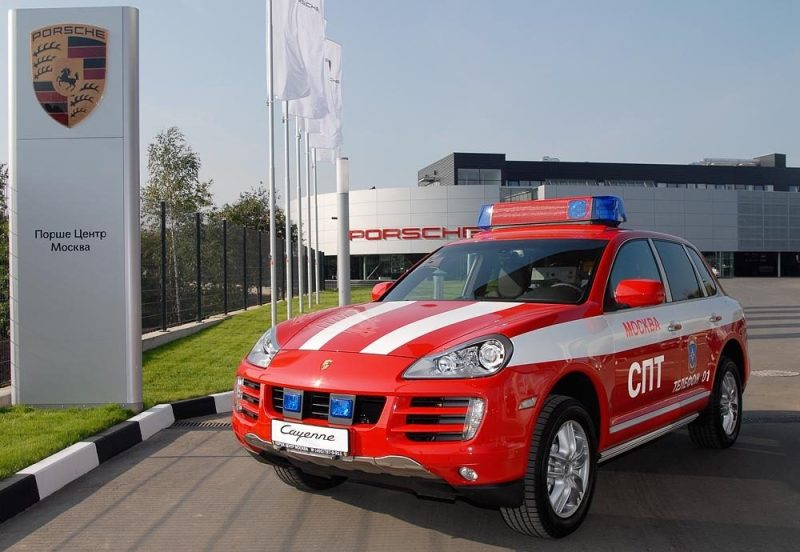 Porsche Cayenne fire-service command vehicle in front of the new sales headquarters in Moscow