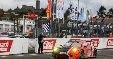 Finish of the Huber Motorsport Porsche 911 GT3 R at the Nürburgring 24 Hours
