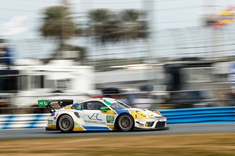 Porsche 911 GT3 R, Team Hardpoint EBM #88, Rob Ferriol (USA), Earl Bamber (NZ), Katherine Legge (GB), Christina Nielsen (DK)