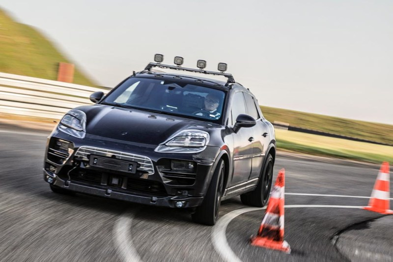 Prototype all-electric Porsche Macan