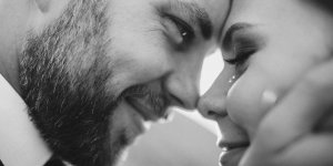 Read more about the article What makes a man fall deeply in love with a woman?