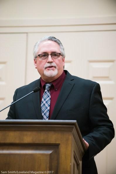 Weisgerber gives an acceptance speech