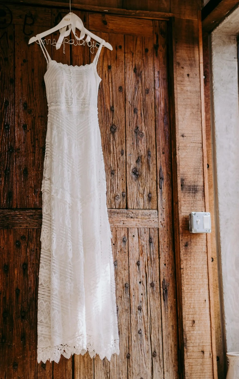 Vintage-Bridal-on-hanger-wedding-dresses-prices