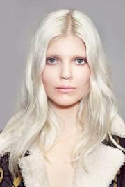hairstyles long blonde hair