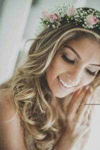 20 Beach Wedding Hairstyles for Long Hair