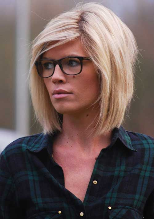 20 Chic Short Medium Hairstyles For Women Hairstyles & Haircuts