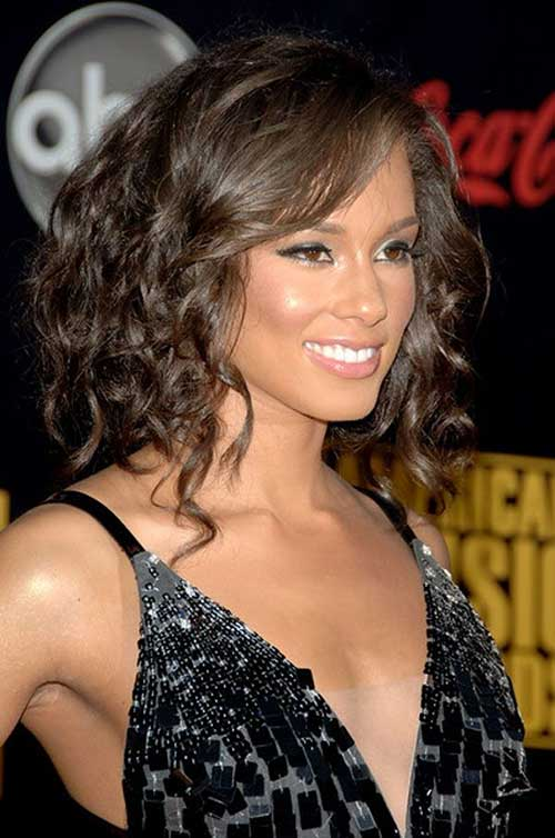 30 Shoulder Length Wavy Hairstyles Hairstyles Ideas Walk The Falls