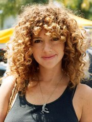 nice curly hair with bangs