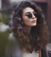 totally chic and beautiful curly