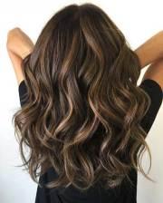 wavy hair highlights chic