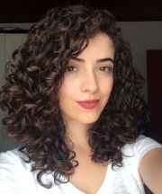 stylish hairstyles curly