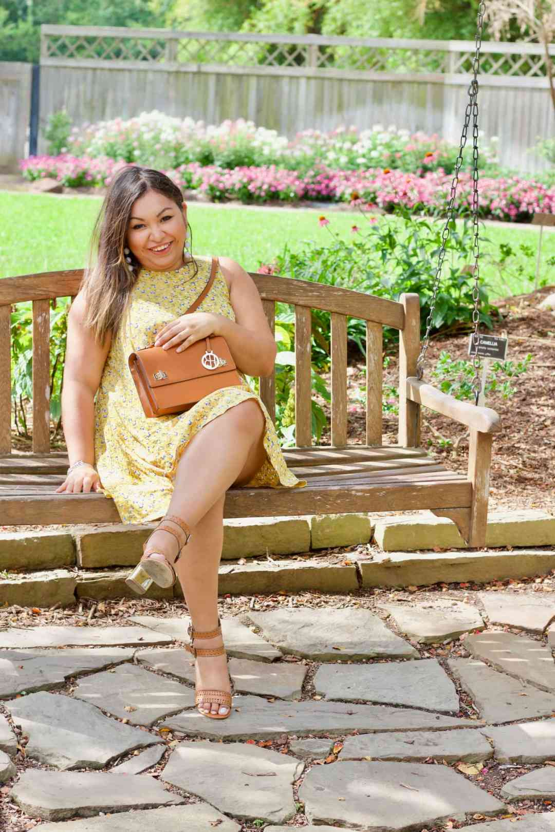 blogger tips, tips for success, yellow dress, old navy, summer outfit, cute summer outfits, easy summer outfits, henri bendel bag, just fab shoes, how to style a yellow dress, cute outfit,