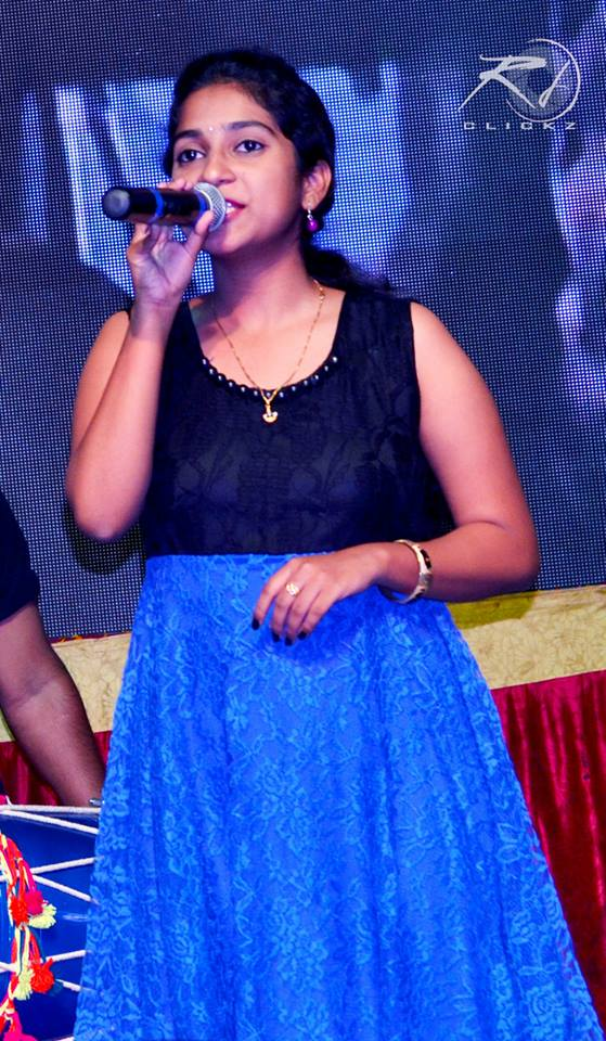 Singer Satya Yamini Photos Gallery Stills Wiki  Lovely