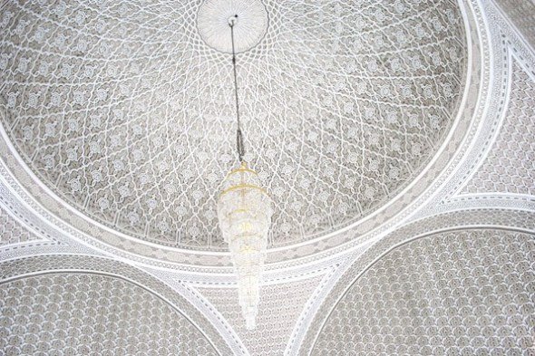 ImamAbuHanifaRA_mosqueceilingw