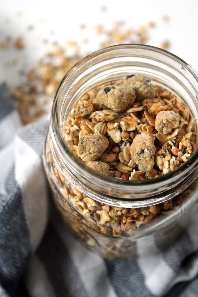 vegan cookie dough granola (oil and refined sugar free) | love me, feed me