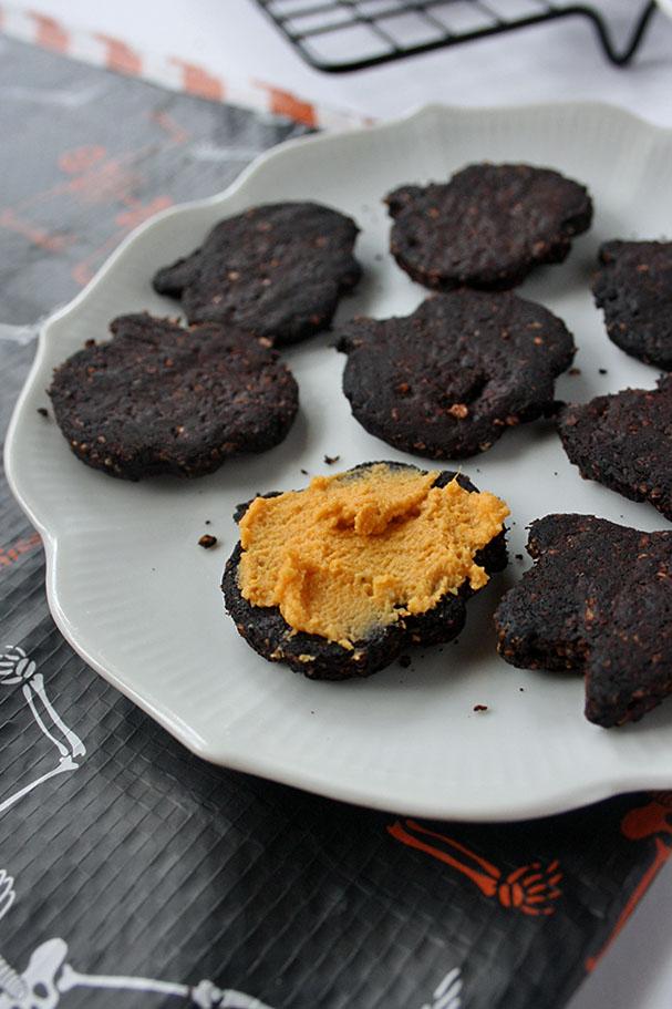 Healthy Vegan Halloween Oreos