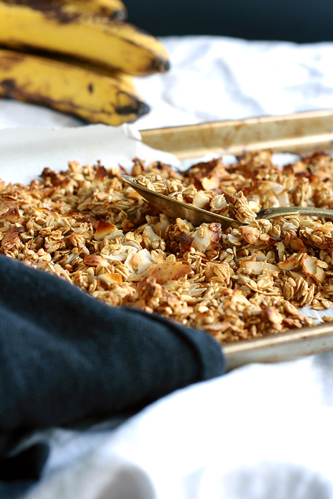 Vegan Caramelized Banana Granola (oil and sugar free)   love me, feed me