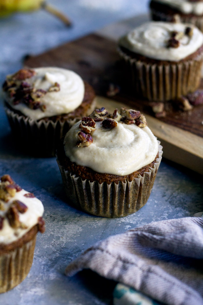 vegan spiced pear cupcakes with maple cashew frosting | love me, feed me