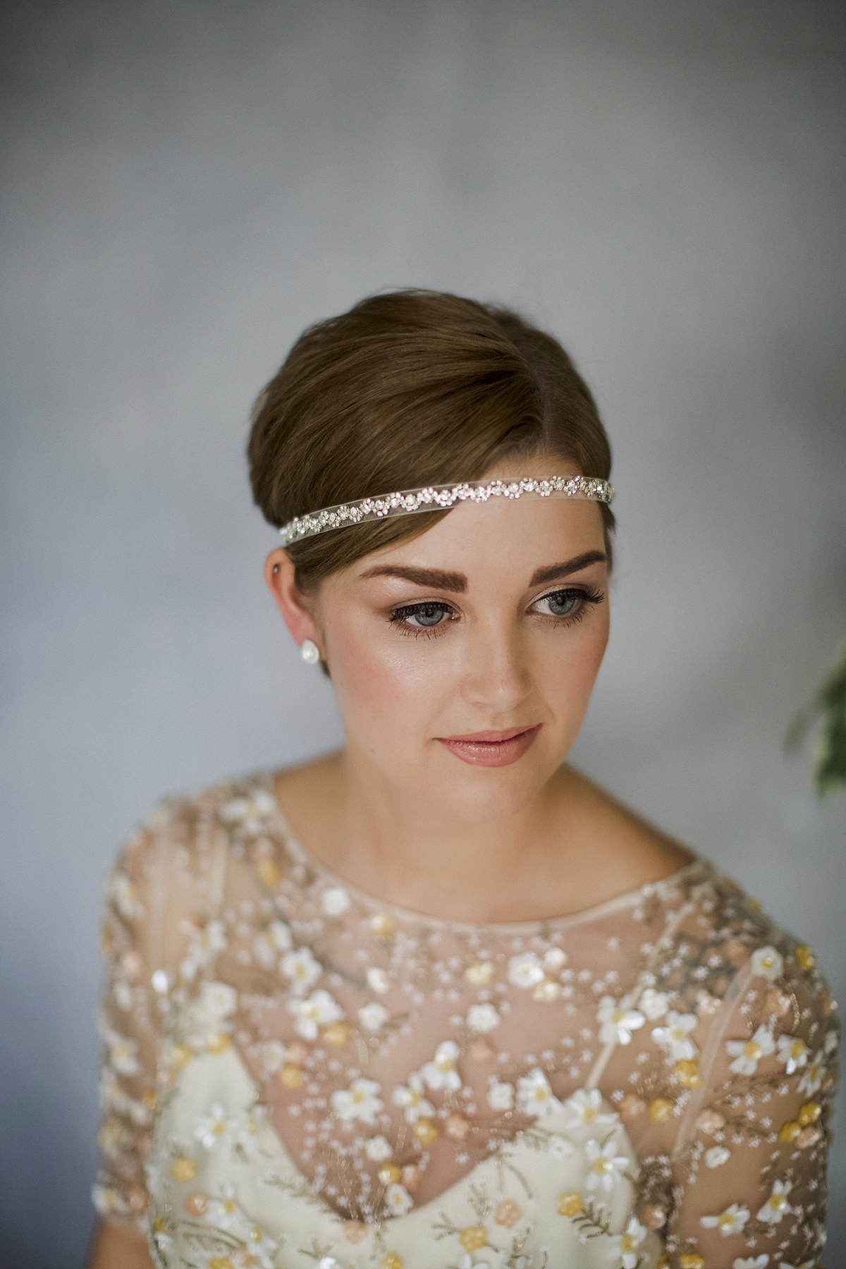 25 Wedding Hairstyles for Short Hair | Brit + Co |Very Short Hair For Wedding Headpieces