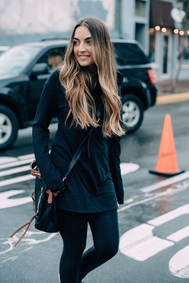 target black athleisure outfit