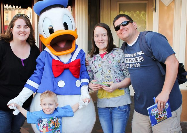 Disneyland for Cheap- some great tips to book your 2017 vacation