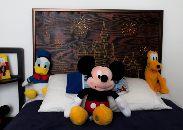 DIY DIsneyland Hotel Headboard. Instructions and tips