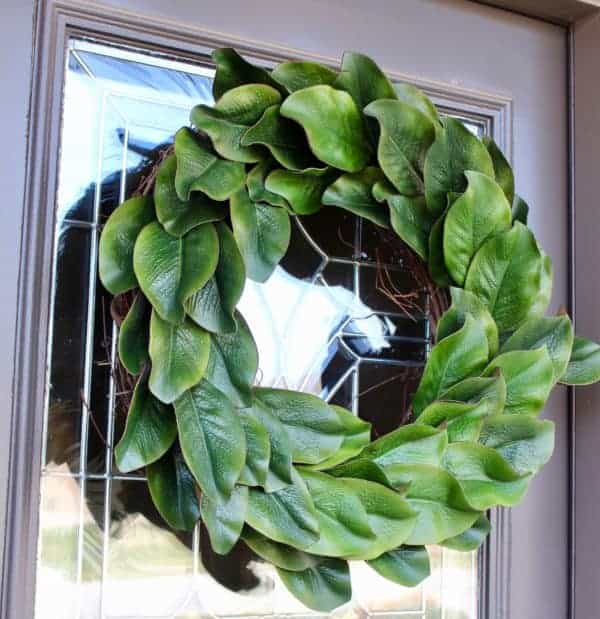 Magnolia wreath, magnolia wreath DIY, magnolia, magnolia wreath tutorial