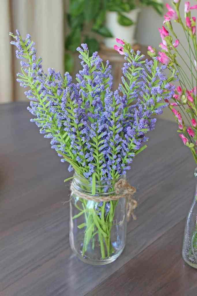 Faux flowers in decor, faux flowers, artificial flowers