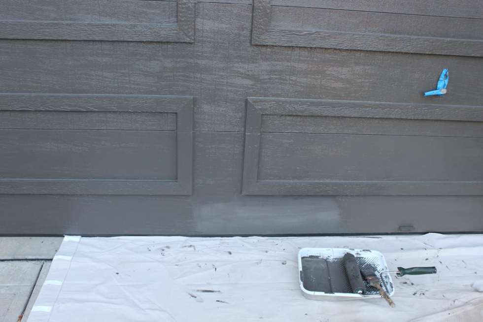 paint garage doors, garage doors, brown garage doors