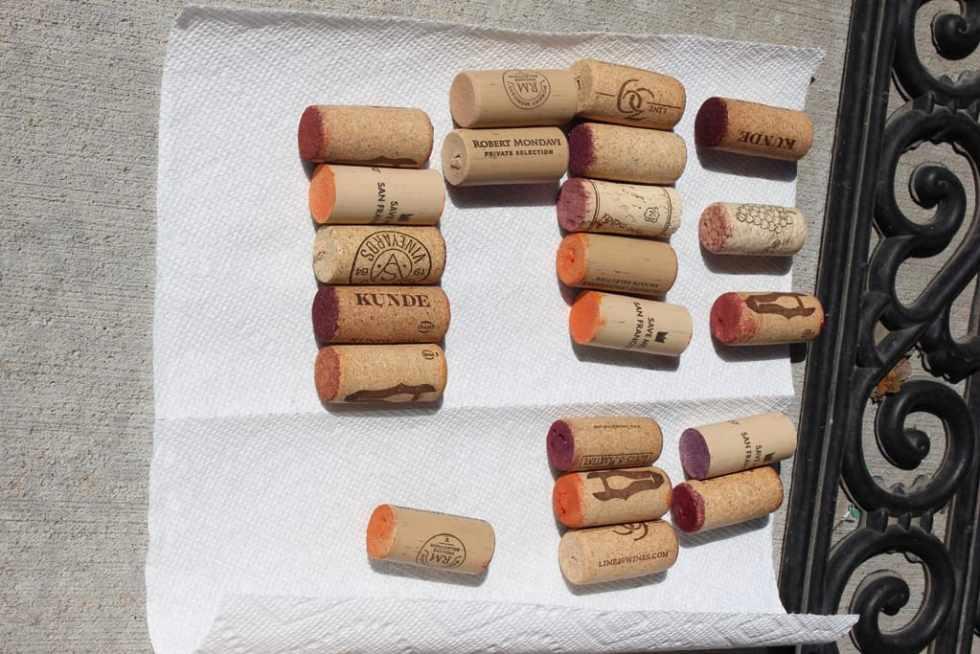 Wine cork pumpkin tutorial, how to make a wine cork pumpkin, wine cork pumpkin