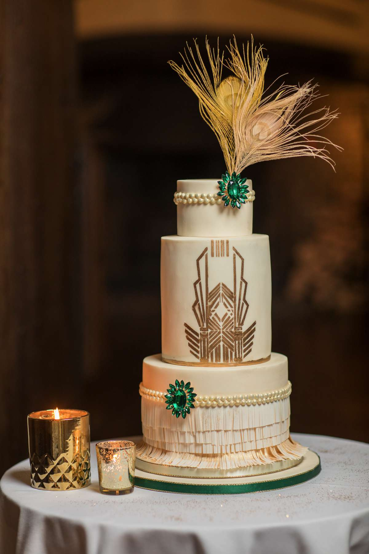 An Art Deco shoot with fabulous gold and green details