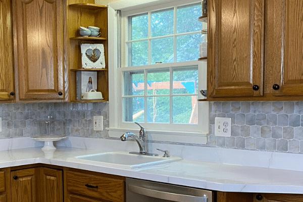 peel and stick backsplash tiles