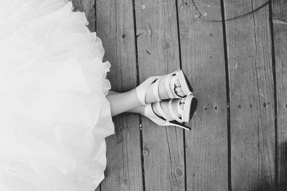 platte schoenen op je bruiloft, hoge hakken op je bruiloft