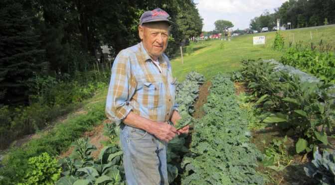 Harry Hilde 94 Year Old Man Grass Sandwich