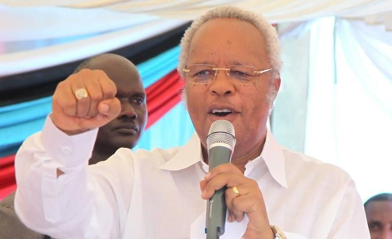 The Presidential candidate for Chama Cha Demokrasia na Maendeleo (Chadema) Edward Lowassa