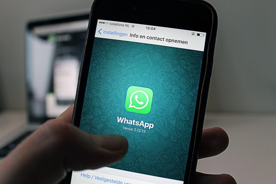 Whatsapp showing in mobile phone