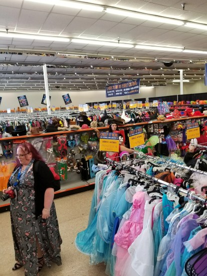 spanaway goodwill halloween store