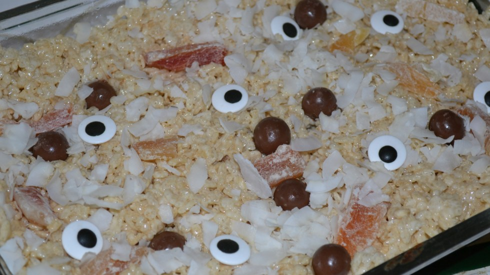 Rice Krispies Treats are always a favorite! Make these gross Halloween inspired ones this season.