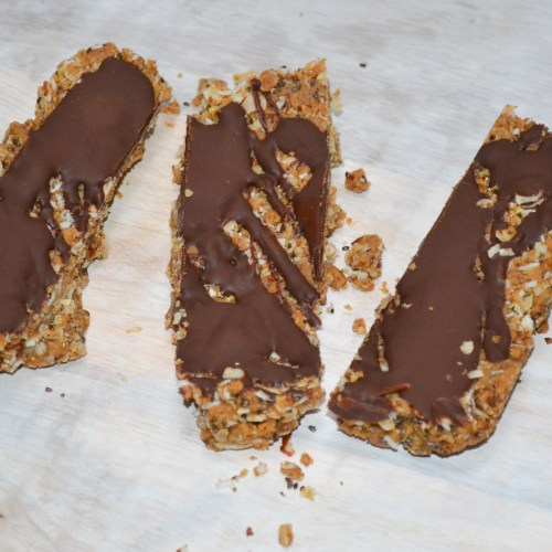 These Granola Bars taste amazing and are full of healthy ingredients!