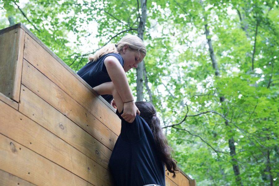 fellow hiker, fellow hikers, hiking, help, helping
