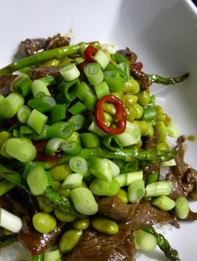 Stir-fried beef in oyster sauce with asparagus & edemame